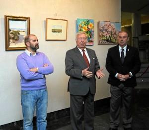 Presentación de la exposición de cuadros cuya recaudación se destinará a Cáritas.
