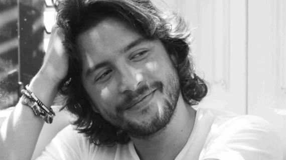 Manuel Carrasco, distinguido con el premio 'Artistas con Corazón' en Madrid Woman's Week