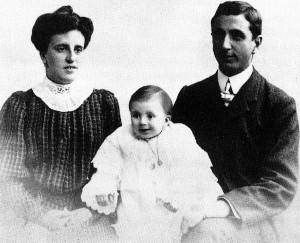 Familia Mahou, a su llegada a Gibraleón.
