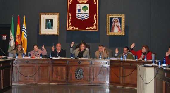 El pleno de Isla Cristina aprueba el presupuesto para 2014 y congela los impuestos