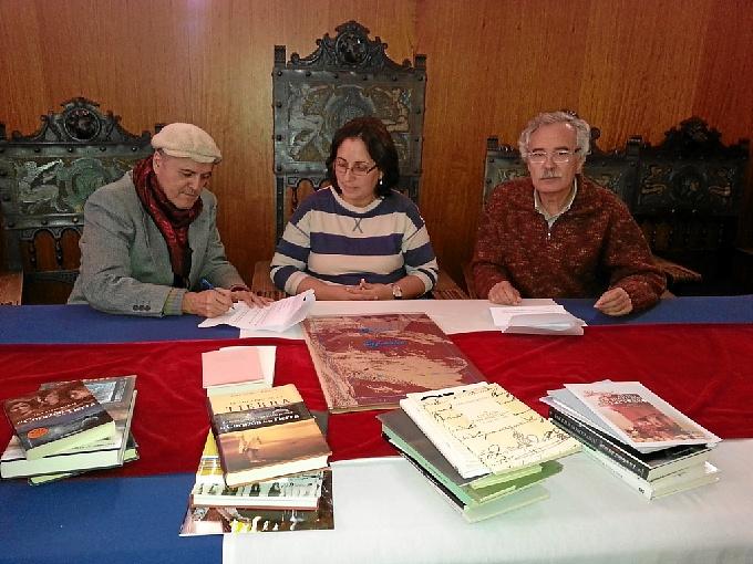 Juan Cobos ha cediddo su obra al Ayuntamiento de Minas de Riotinto.