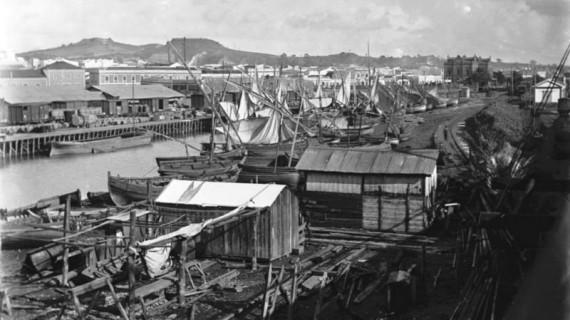 Dique de pescaderías en la primera década del siglo XX