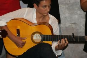 El joven guitarrista Álvaro Mora.