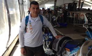 Luis Calderay ya se encuentra en Rosario (Argentina), donde vela armas para el inicio del Dakar.