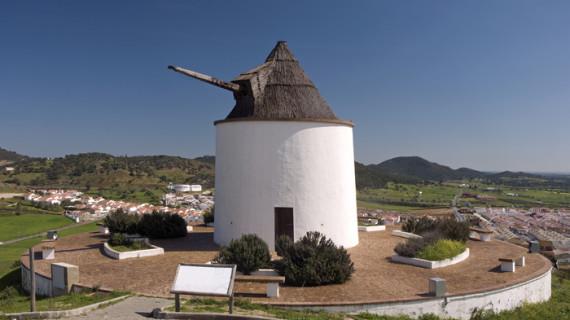 El Almendro, epicentro de la ruta de los molinos del Andévalo onubense