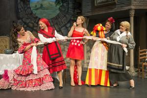 Garralón y sus compañeras de reparto de 'El hotelito'. / Foto: Mario Larrode