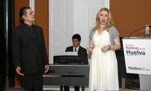 El tenor Fernando Vázquez y la soprano Rosina Montes.