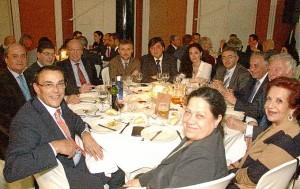 Tras la entrega de premios, los asistentes disfrutaron de una cena en un ambiente distendido.