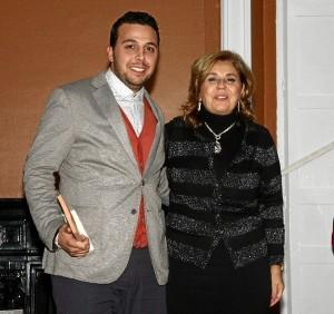 La directora de Canal Sur en Huelva, Inmaculada González, junto a Juan Márquez, gerente de Agromolinillo.