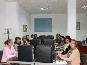 Asistentas a uno de los talleres sobre redes sociales que se vienen celebrando en el marco de las Jornadas.