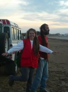 La voluntaria onubense María José Gallardo trabajando en un proyecto de Cruz Roja.