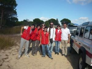 Gallardo con otros voluntarios durante un proyecto llevado a cabo el el Parque Nacional de Doñana en 2013.