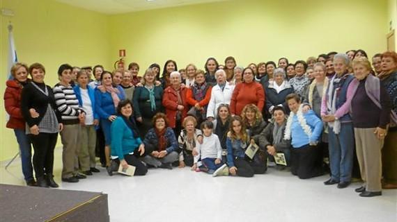 Un total de 40 mujeres del Distrito V de Huelva participa en  el taller de autoestima de la asociación Amapolas