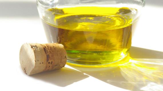 La producción de aceite de oliva se mantiene respecto a la pasada campaña pero se espera un incremento del 5% en las ventas