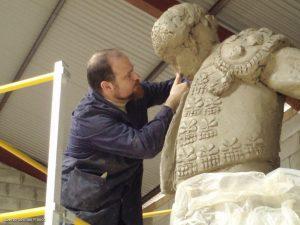Alberto Germán Franco, trabajando en su estudio.