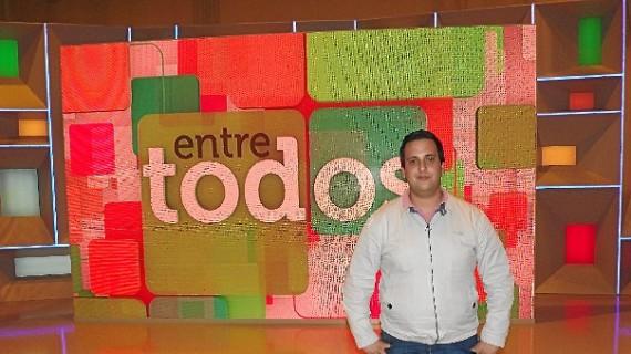 Daniel Martín, presidente de la Asociación onubense Almacén Solidario, entre los finalistas de los Premios Andaluces del Futuro