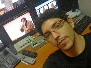 Eduardo Redondo estudió Comunicación Audiovisual en Sevilla.