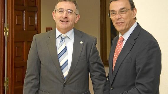 Apoyo para el desarrollo del programa 'Matrícula' y las cátedras sobre Juan Ramón Jiménez y la Ruta del Vino de la UHU