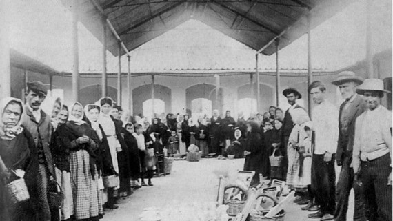 Mercado de Alosno hacia 1900