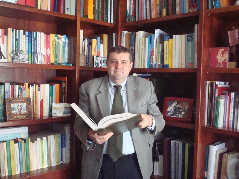 El ex rector de la UHU presidirá la Comisión de seguimiento del Código Ético de la FOE