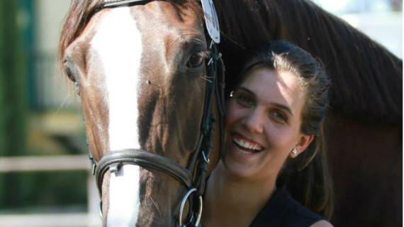 El amor por los caballos lleva a Marta Galán Dalmau a proclamarse campeona andaluza de Doma Clásica y tercera del ranking nacional