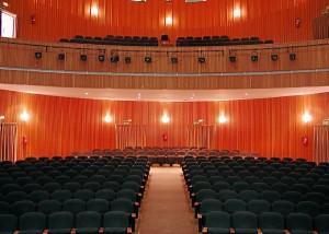 El teatro será más barato para los jóvenes en Moguer.