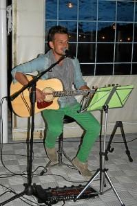 El joven seguirá actuando en distintos emplazamientos de Huelva.