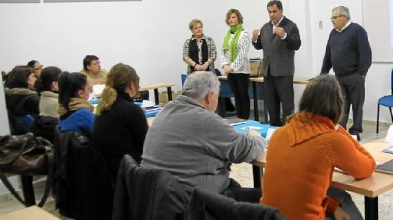 Una veintena de personas de San Juan comienza a trabajar en un nuevo centro de la localidad