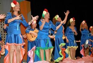 Una de las agrupaciones del Carnaval de Cartaya de 2013.
