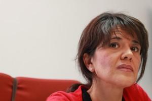 La actriz onubense Mercedes Vargas interpretando el papel de la psicóloga.