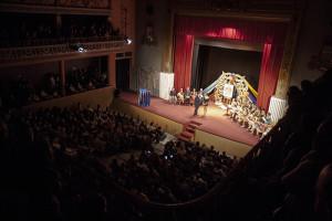 Gran influencia de público en el Teatro Cardenio durante el acto.