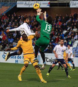 Menosse se incorporó al remate en especial en las acciones a balón parado. / Foto: Josele Ruiz.