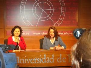 May Silva y Carmen Santín en rueda de prensa.
