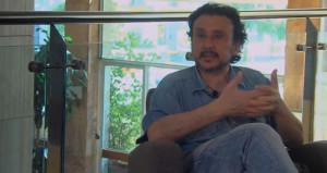 El director de cine Antonio Cuadri reconoce que una película para los amantes del cine y el teatro.