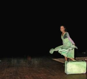 Maica está representando ahora la obra 'La Exclusa'.