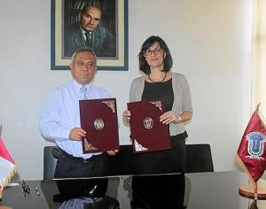 Firma del convenio UNIA-Universidad Jorge Basadre Grohman de Perú.