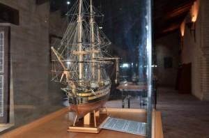 En el nuevo Museo Naval se expondrá, entre otras cosas,  replicas en miniatura de barcos de distintas épocas de la historia.