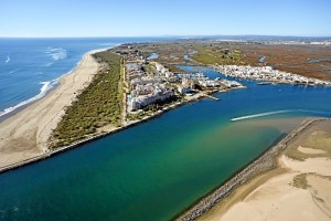 Imagen de la playa de Isla Canela que aparece en el reportaje de