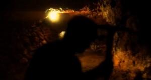 Una de las imágenes del docmental, en el interior de la mina.