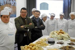 Visita del delegado al comedor de San Bartolomé.