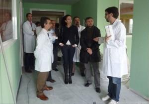 José Fiscal y Lourdes Martín visitando las nuevas instalaciones.