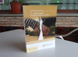 El libro está compuesto de 17 capítulos.