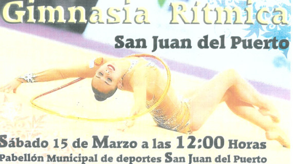 La Escuela Municipal de gimnasia rítmica de San Juan ofrece una exhibición en el polideportivo de la localidad