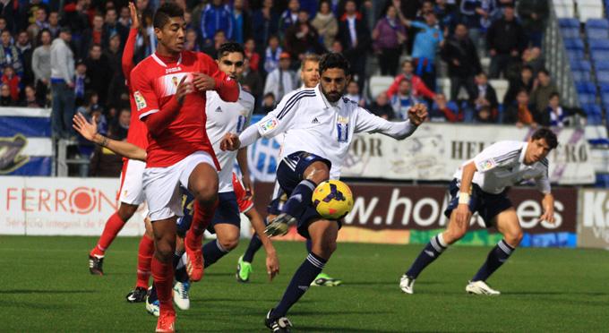 Esta temporada no habrá un duelo Recre-Murcia en la Liga. / Foto: Josele Ruiz.
