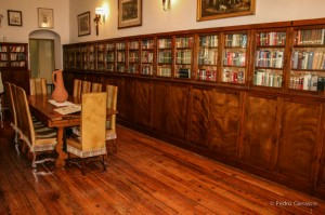 Los ingleses crearon un club y su consiguiente biblioteca en Bellavista, reproduciendo el modo de vida de las islas británicas. / Foto: Pedro Carrasco.