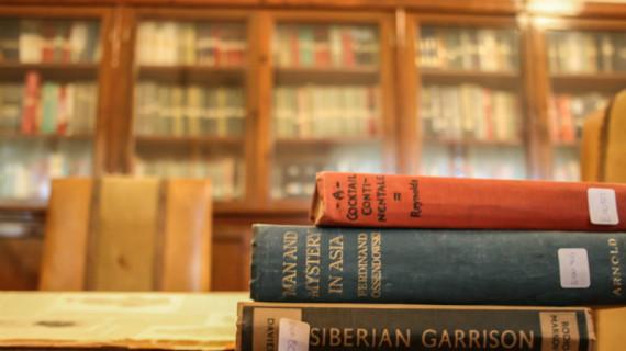 La desconocida biblioteca victoriana del barrio inglés de Bellavista, una joya al descubierto