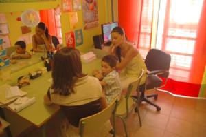 El apoyo educativo es otro de los servicios de Asprodesordos.