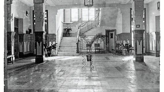 Antiguo Colegio de Ferroviarios de Huelva, después 'San José de Calasanz', en los años 50 del siglo XX