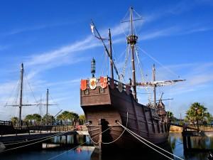En el Muelle de las Carabelas de La Rábida hay una réplica de las naves descubridoras.