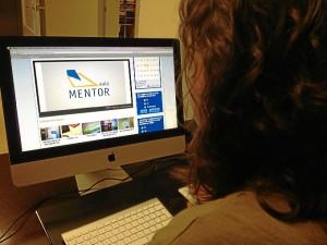 Las becas para el proyecto Aula Mentor cubre la matriculación al curso durante un período de 60 días naturales y el derecho a examinarse.